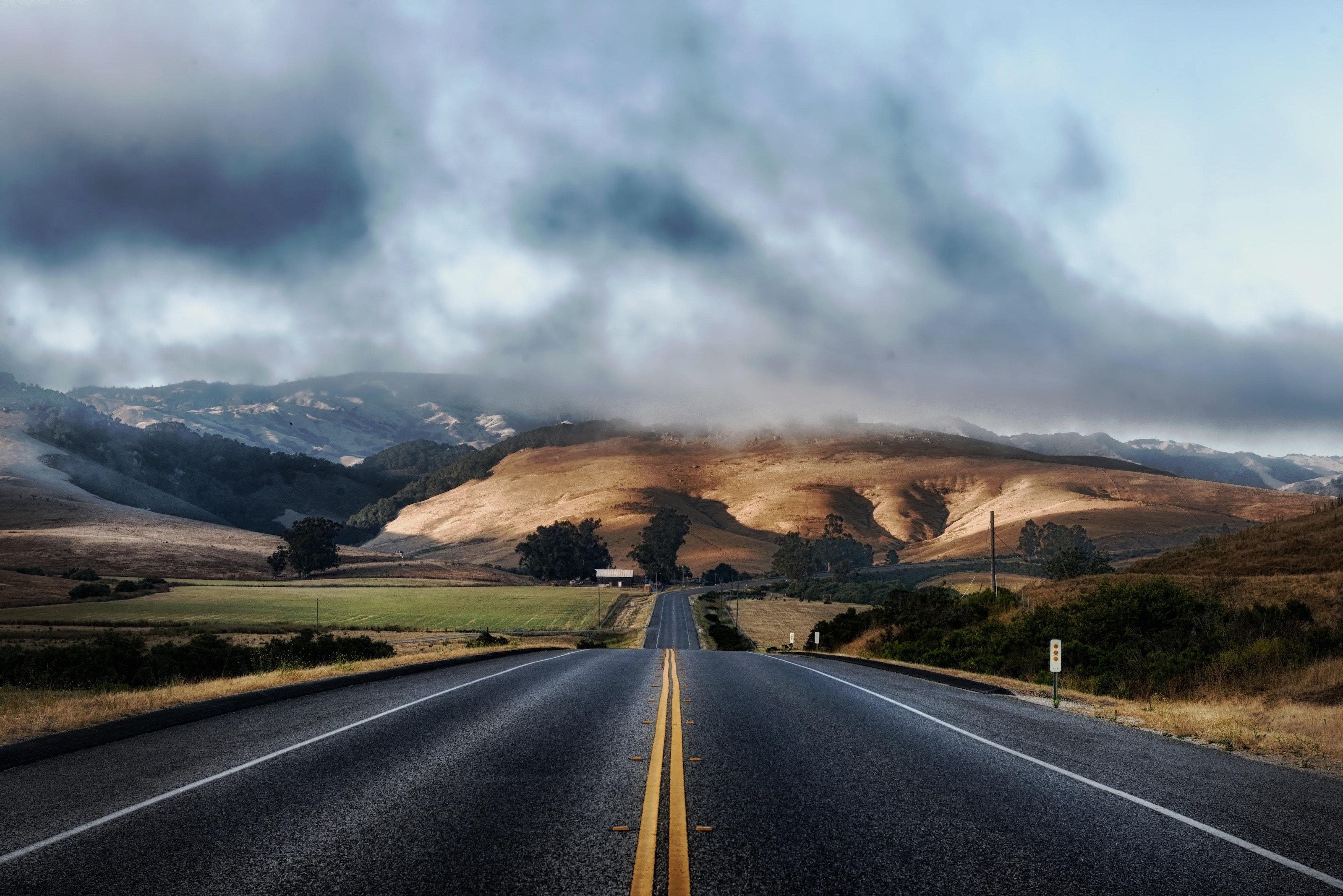 clouds-hills-landscape-63324